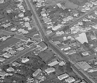 Royal Oak, New Zealand - An aerial view of the Royal Oak intersection taken in May 1947. The Seddon Memorial is visible in the centre.