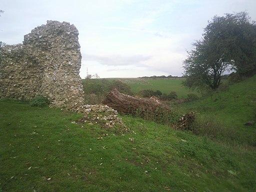 Ruins of Thurnham Castle - geograph.org.uk - 2261687