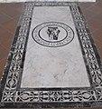S. croce, tomba sul pavimento 14 berti.JPG