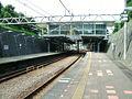 Sagami-railway-izumino-line-Minami-makigahara-station-platform.jpg