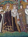 San vitale, ravenna, int., presbiterio, mosaici di teodora e la sua corte 05.JPG