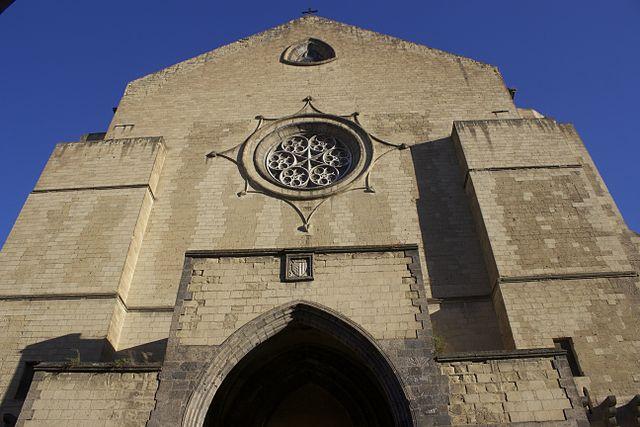 Façade d'église Santa Chiara à Naples. Photo de Miguel Hermoso Cuesta.