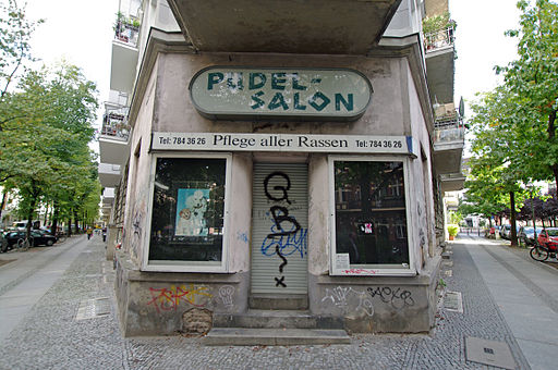 Schoeneberg pudelsalon corner helmstrasse-erdmannstrasse 14.10.2011 13-09-37