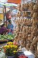 Sculptures en racines de bambou sur le marché (Hoi An) (4401850013).jpg