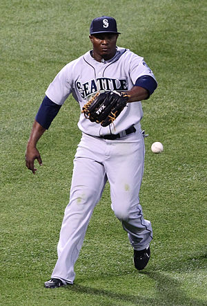 2001 Seattle Mariners season - Image: Seattle Mariners left fielder Mike Wilson (44)