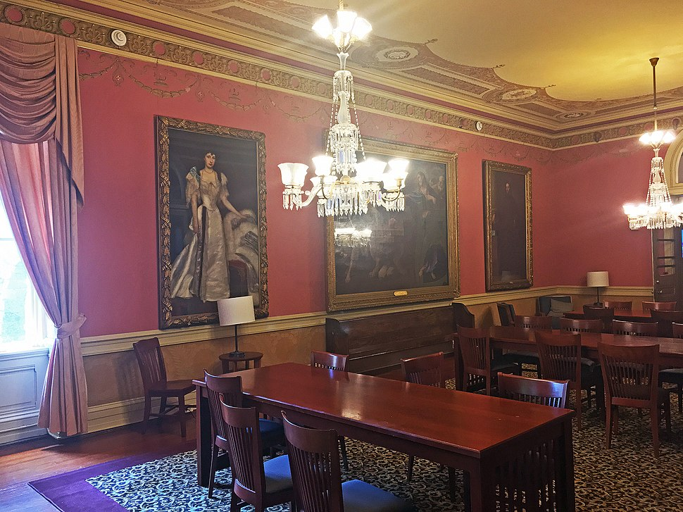 Senior Study Room (Carroll Parlor) at the Healy Hall, Georgetown University
