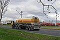 Shell Australia petrol tanker.jpg