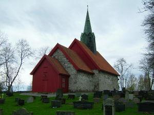 Skiptvet kirke nordøst.jpg