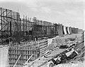 Sluisbouw bij Tiel. Betonijzer vlechten, Bestanddeelnr 903-9413.jpg