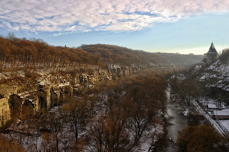 Смотрицький каньйон у Кам'янці-Подільському. Автор фото — Сергій Криниця (Haidamac), ліцензія CC-BY-SA-4.0