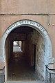 Sottoportego e ponte de le do spade a Venezia.jpg