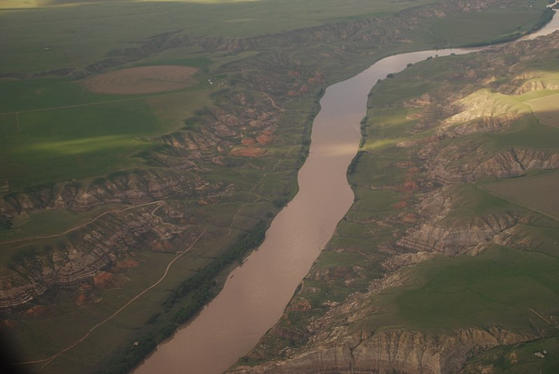 File:South Saskatchewan near Medicine Hat.jpg