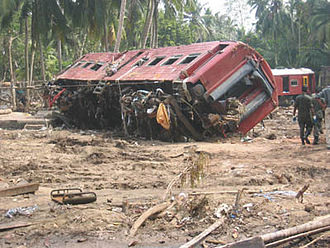 2004 Sri Lanka tsunami train wreck - Image: Sri lanka train 04jan 2004