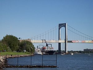 Throgs Neck Bridge - Image: Stadium 006