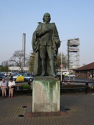 William Harvey Hospital - Statue of William Harvey by the hospital's entrance