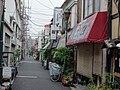 Steegje in Nezu 2-chōme, Bunkyō-ku, -6 oktober 2013 a.jpg