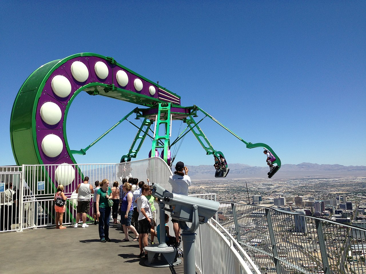 vegas stratosphere how tall