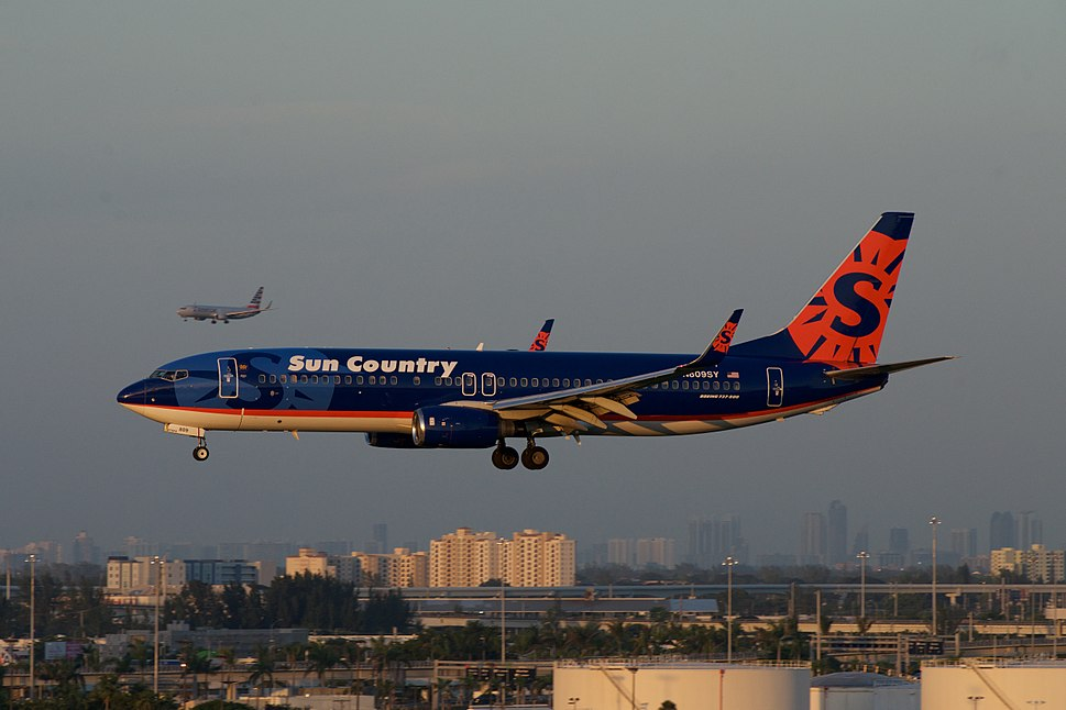 Sun Country Boeing 737-800 N809SY (15203325214)