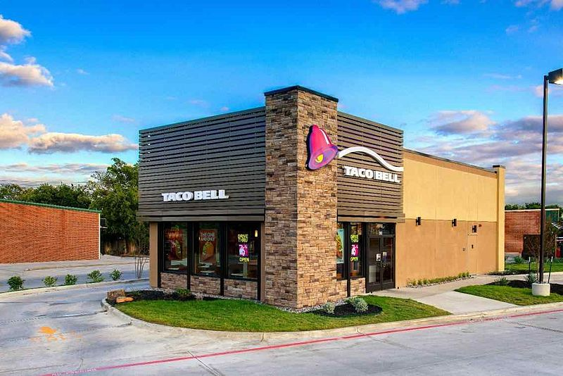 File:Taco Bell Store Redesign - Outside.jpg