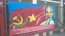 Um pôster de propaganda comunista Tay Ho