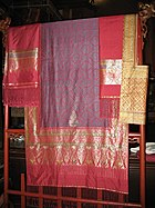 Tambon Tha Sawang Silk, well-known handicraft of Amphoe Mueang Surin