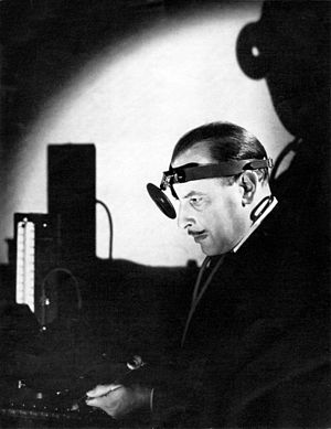 The Amazing Dr. Clitterhouse - Cedric Hardwicke in the 1937 Broadway production of The Amazing Dr. Clitterhouse