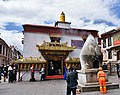 The Barkhor, Lhasa (32) (29786515038).jpg