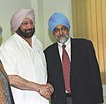The Chief Minister of Punjab, Capt. Amarinder Singh meeting the Deputy Chairman Planning Commission, Shri Montek Singh Ahluwalia to finalize Annual Plan 2006-07 of the State, in New Delhi on February 14, 2006.jpg