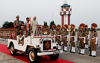 Mohammad Hamid Ansari - Vice  President Ansari inspecting the guard of honor at Biju Patnaik International Airport