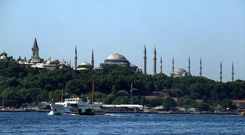 Súbor:Topkapi Palace Hagia Sophia Blue Mosque.jpg