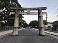 Torii on sando of Hakozaki Shrine 2.jpg