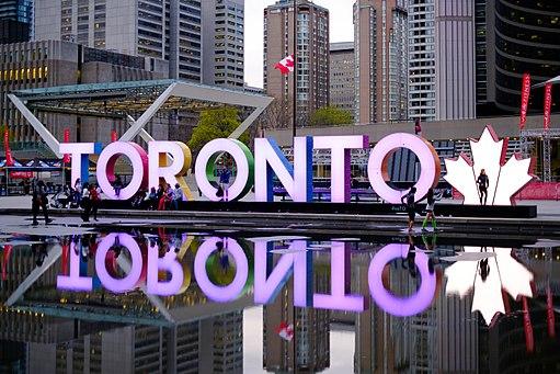 Toronto sign (34289773236)