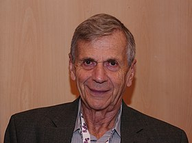 Toulouse Game Show 2011 - William B Davis - P1280940.jpg