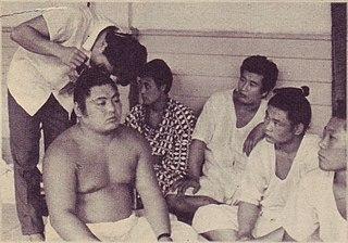 Yutakayama Katsuo Sumo wrestler