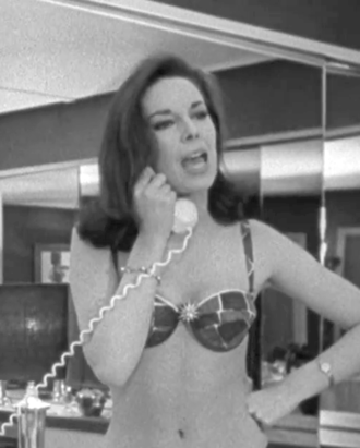 Tracy Reed (English actress) - Tracy Reed as Miss Scott in a screenshot of the trailer of Dr. Strangelove (1964)