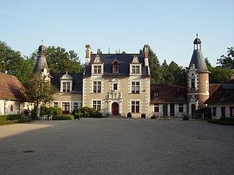 Château de Troussay - The principal façade of the château, the side named after François I