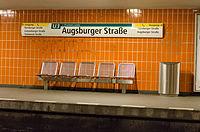 U-Bahnhof Augsburger Straße 20130727 5.jpg