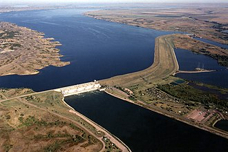 Geography of South Dakota - Big Bend Dam is one of four large dams on the Missouri River in South Dakota