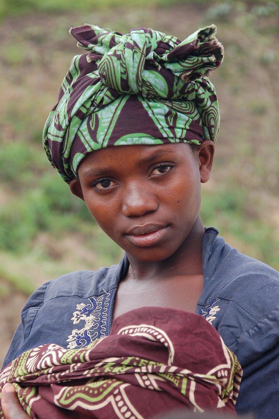 Uganda - Ruwenzori Mountain Lady