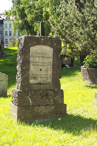 Otto Vincent Lange - Lange's headstone at the Vår Frelsers gravlund