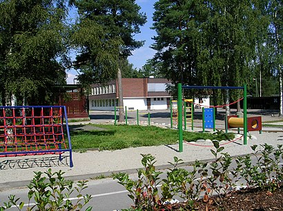 How to get to Vestskogen Skole with public transit - About the place