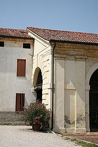 VillaThieneCicogna 2007 07 18 2.jpg