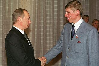 Mikhail Ivanov (cross-country skier) - Ivanov (right) in 2002