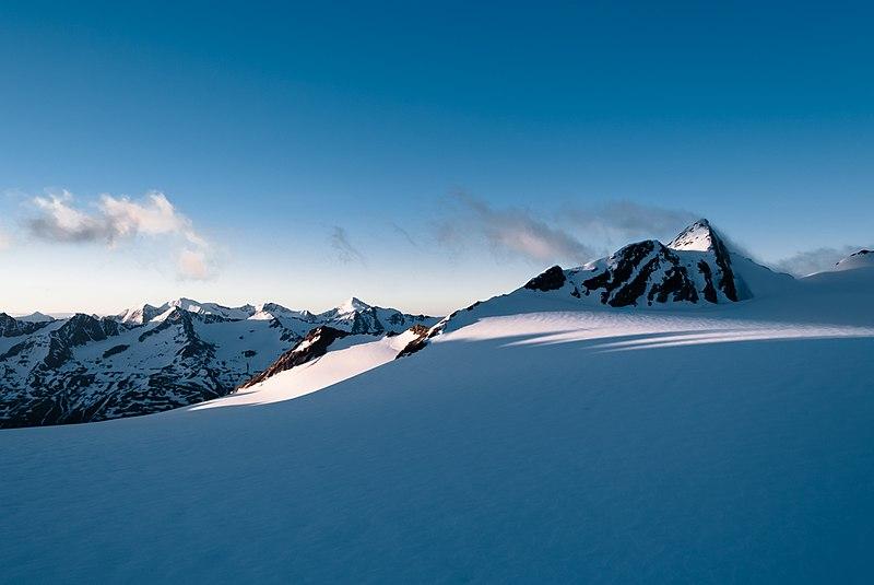 File:Vordere Hintereisspitze 2008-06-15.jpg