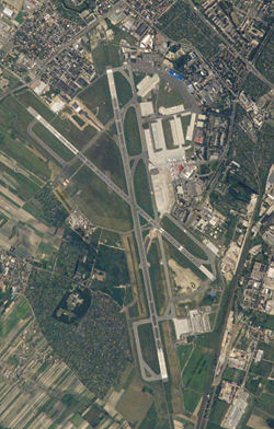 Warsawairportaerial.jpg