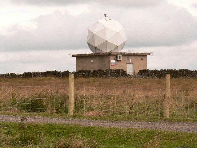 Weather Station at Hambledon Hill above Clowbridge - geograph.org.uk - 665602