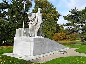 1939 in art - Image: Welland Crowland War Memorial in Welland Ontario 2