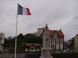 Wimereux war memorial.JPG