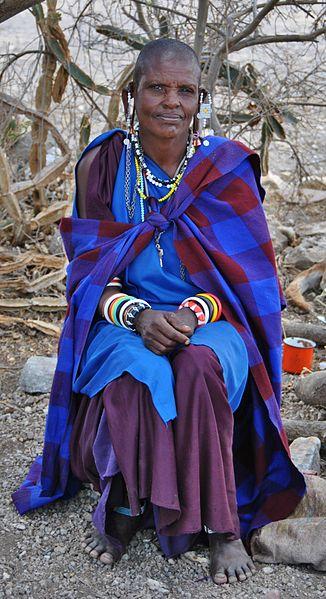 File:Woman at Oldupai Gorge.JPG