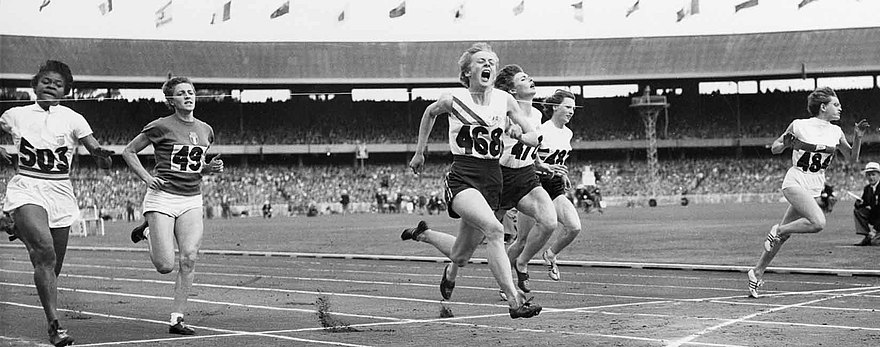 Zieleinlauf des 100-Meter-Finals (v. l. n. r.): Isabelle Daniels, Giuseppina Leone, Betty Cuthbert, Marlene Mathews, Heather Armitage, Christa Stubnick